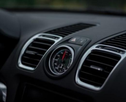 Recharge et réparation de climatisation voiture à Cassis (13)